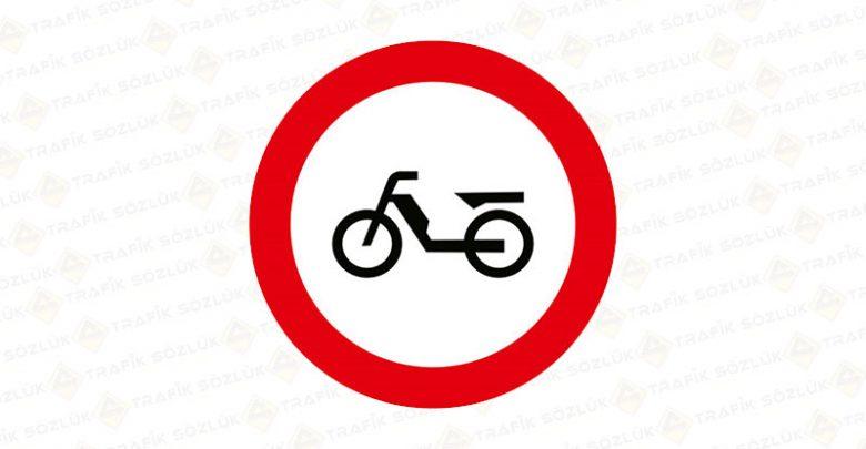Motorsiklet Harici Taşıt Trafiğine Kapalı Yol Levhası TT-6